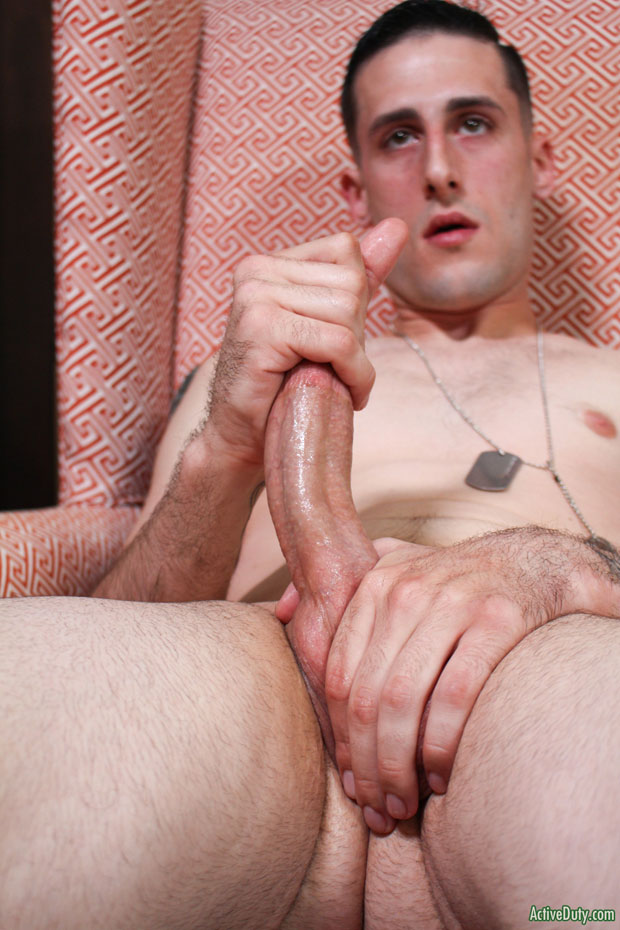 Hot lean naked muscle stud