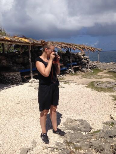 Maj photographing