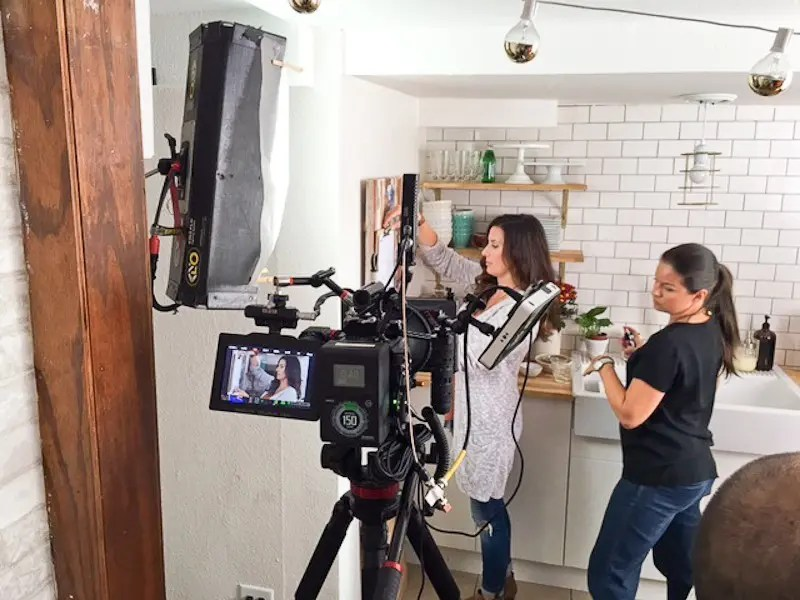 Folgers Shoot with Fresh Mommy Blog a behind the scenes look from the Snapchat of Tabitha Blue