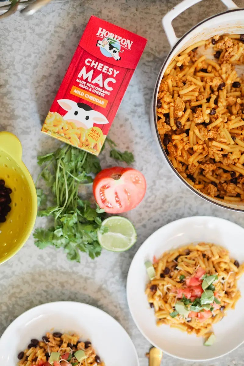 A delicious twist on a kid favorite meal... Taco Mac and Cheese. Healthy and wholesome meal for dinner or lunch!
