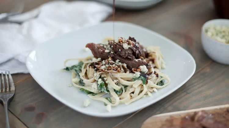 Steak Gorgonzola Alfredo with Balsamic Glaze recipe. Deliciously sweet and savory, perfect for dinner, parties and especially for the men in your life... an Olive Garden copycat recipe!