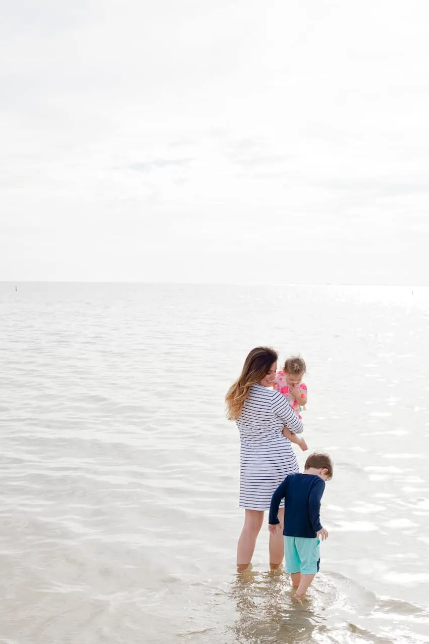 I've rounded up a few inspiring and encouraging quotes that always help uplift, even on the most trying of days. We all have them, save these for those days. Encouraging Quotes for Moms