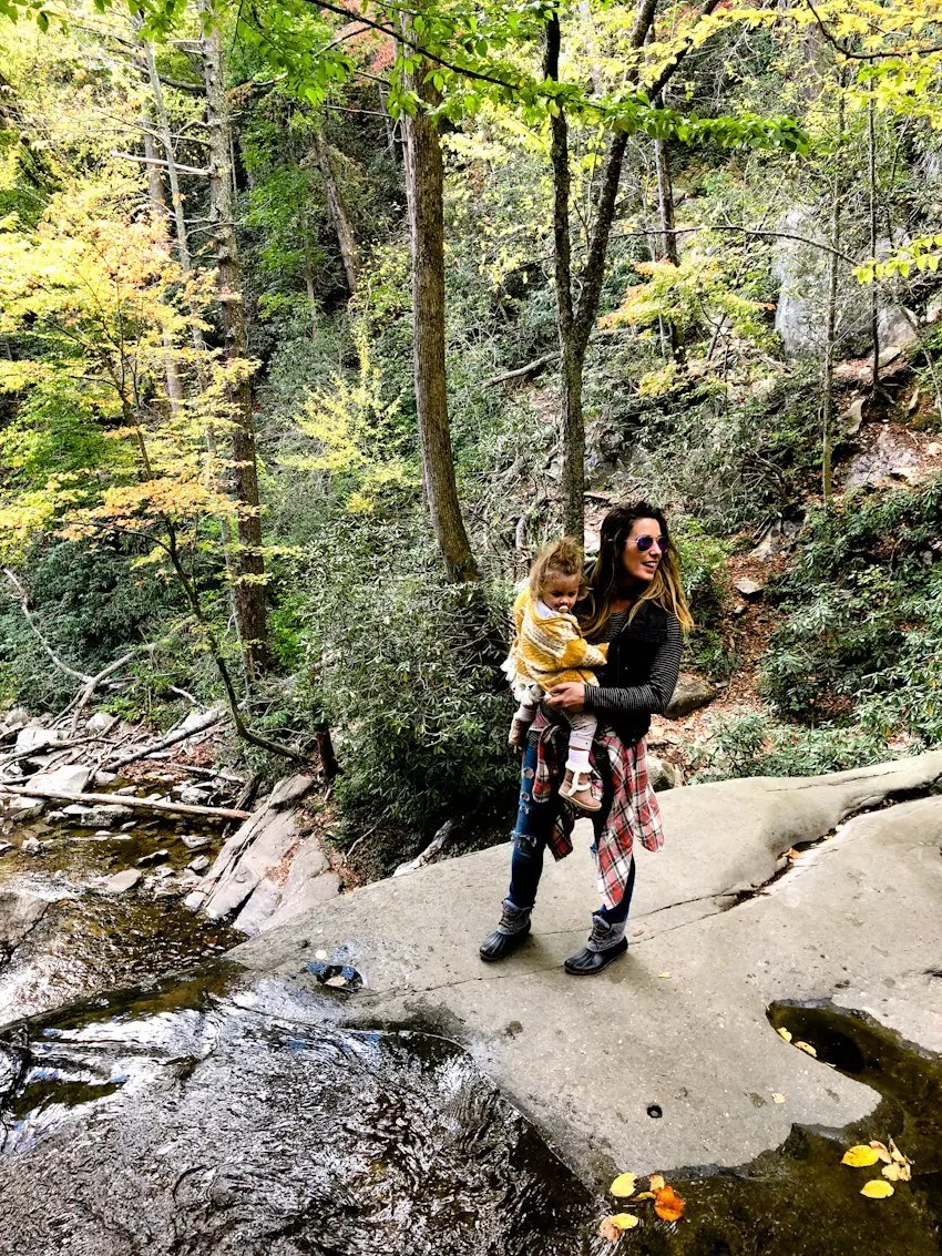 Pigeon forge travel guide for families and Laurel Falls
