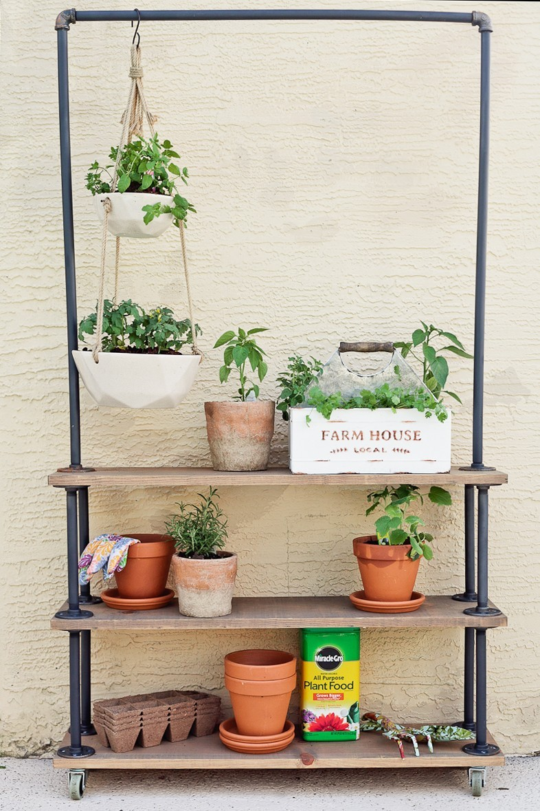 Diy rolling garden plant shelf home fresh mommy blog for How to build your own house in florida
