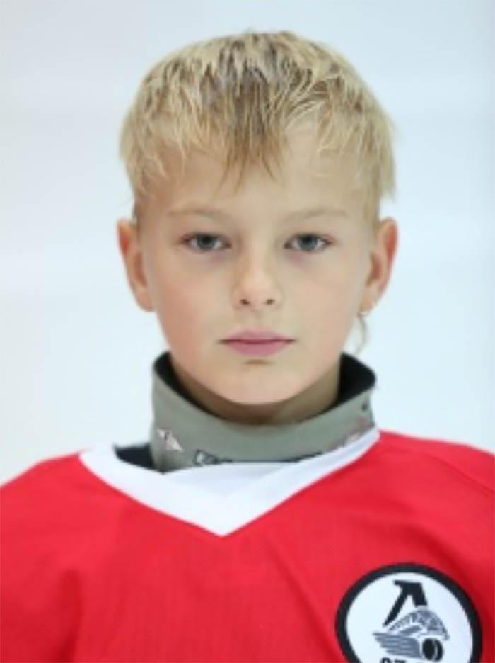 Дима Козлов хоккеист