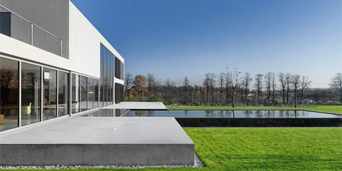 Beautiful Pool of a Modern House