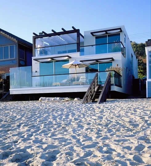 malibu california beach house 1 Beach House in Malibu, California