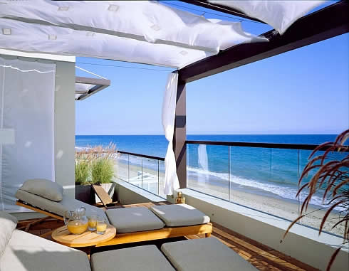 malibu california beach house 4 Beach House in Malibu, California