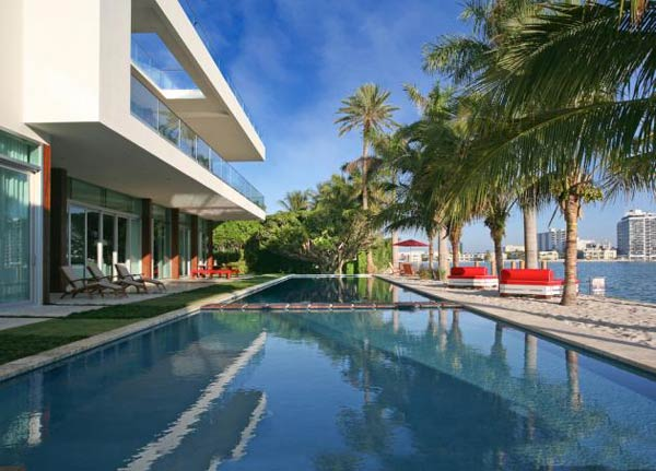 villa okto3 Wonderful Otko Villa on a Private Island in Miami Beach, Florida for Sale
