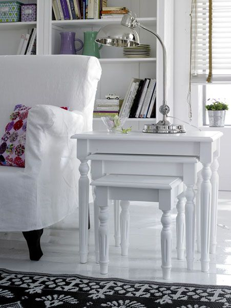 white color interior design8 Decorating White Spaces by Adding a Delicate Touch of Color
