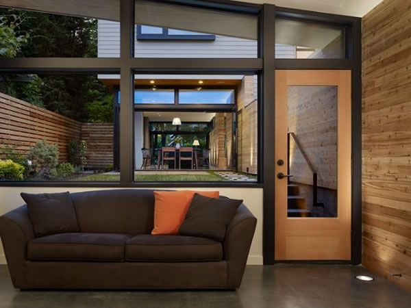 Contemporary Wall House in Seattle 11