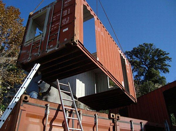 al01 Amazing House Built from Shipping Containers