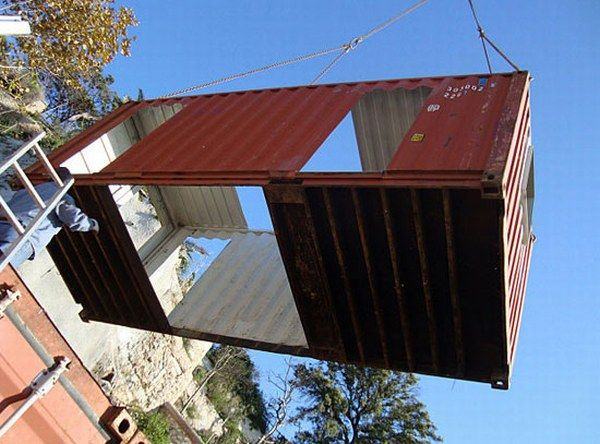 al02 Amazing House Built from Shipping Containers