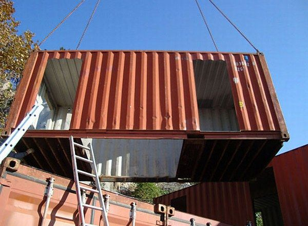 al07 Amazing House Built from Shipping Containers