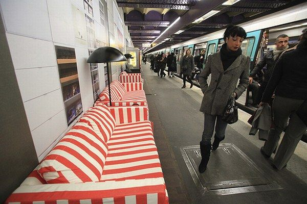 ikea 56 IKEA Subway Display in Paris : An Insane Idea or A Genius Promotion Campaign?