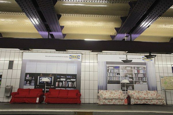 ikea6 IKEA Subway Display in Paris : An Insane Idea or A Genius Promotion Campaign?