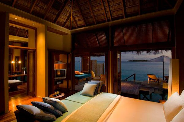 amazing bedroom view 23 Amazing Bedrooms with a Panoramic View of the Ocean