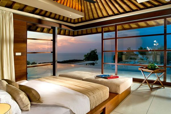 ocean view bedroom 23 Amazing Bedrooms with a Panoramic View of the Ocean