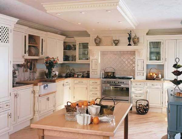 shki0111 25 Inspiring and Delightful Traditional Kitchen Designs