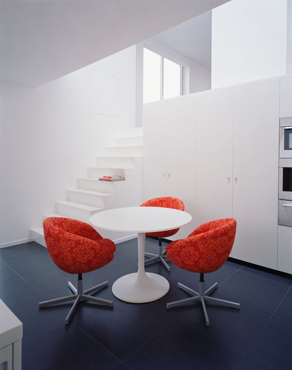 hoffman apartment2 Small Apartment with a Modern and Distinguished Interior Design