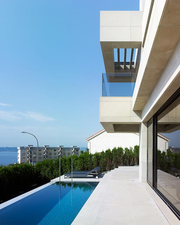 foto villa architecture pool Single Family House in Mera La Coruña by A cero