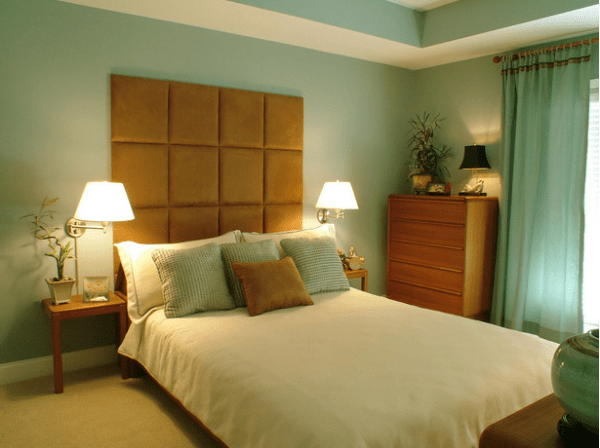 headboard materials e1292796116478 How to Choose a Headboard to Complement your Bed