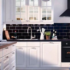 Kitchen Tile Designs Cabinet Door Fronts 30 Successful Examples Of How To Add Subway Tiles In Your As