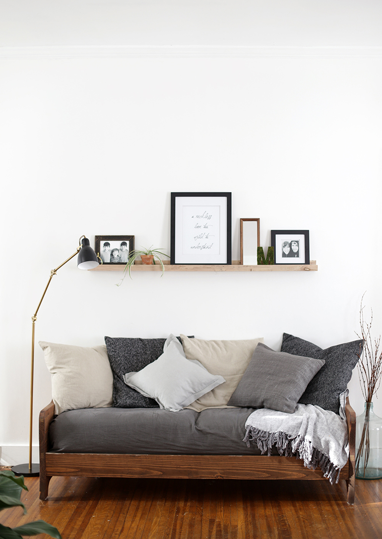 daybed decorating ideas living room design on a budget 12 we re daydreaming about freshome com navy diy