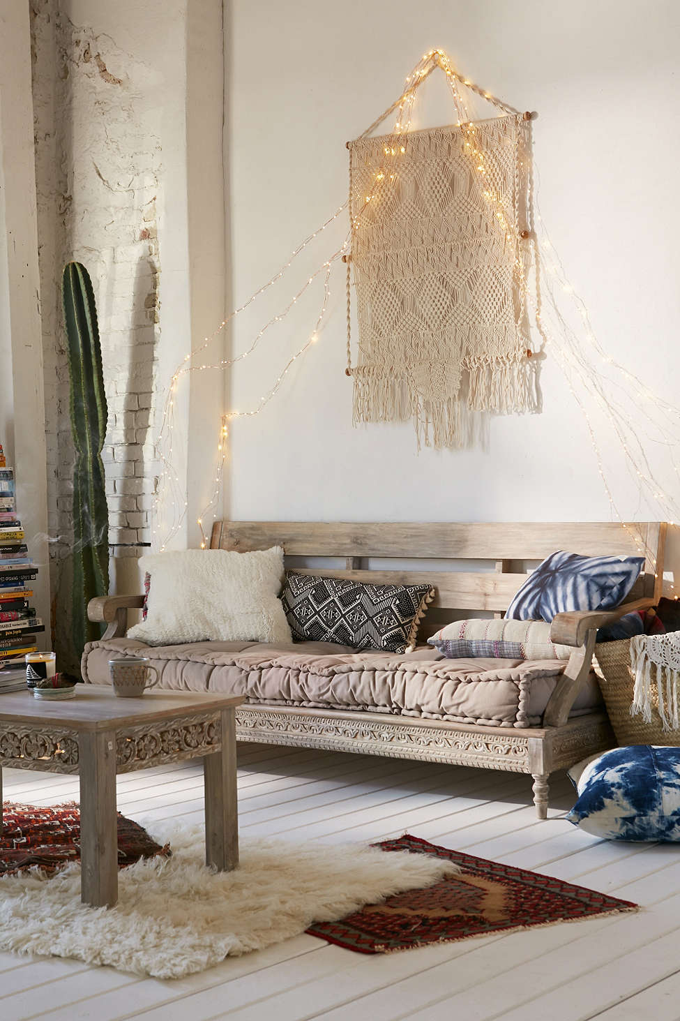 daybed in living room ideas funky decorating for rooms 12 we re daydreaming about freshome com boho