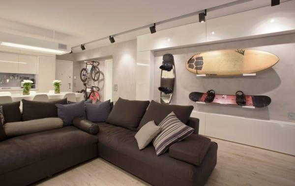 Modernes Wohnzimmer Mit Fahrrad Im Wohnzimmer Coole Wandgestaltung