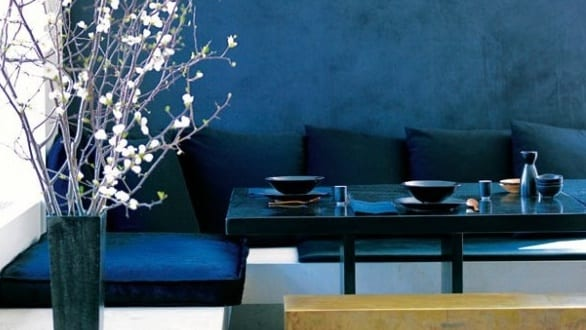 schickes interior mit wandfarbe blau wand streichen in blau - boisholz - Blaue Wand