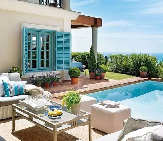 terrassengarten mit pool und weise terrassenmobel rattan