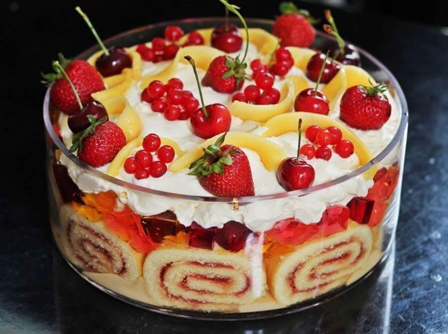 schnelle und leckere Torte mit RollKuchen und frchten