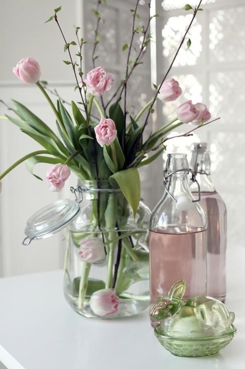 Zarte Frhlingsdeko mit Tulpen fr frische Raumgestaltung  fresHouse
