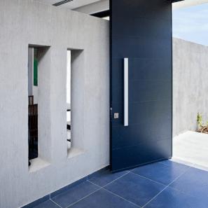 handle door with big size