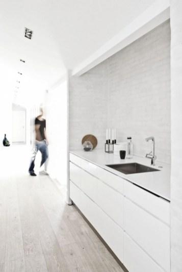 Clear Minimal Super Stylish White Kitchen Throughout Minimal Super Stylish White Kitchen
