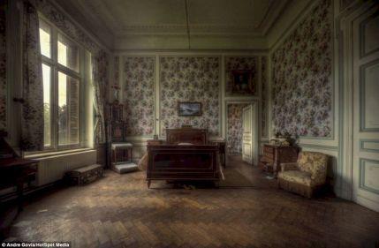 Inside Old Abandoned Mansions