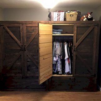 Pallet Closet DIY