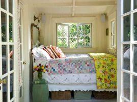Tiny Lake Cottage Bedroom Decor Ideas