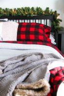 Awesome Christmas Bedroom Design 24