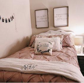 Awesome Christmas Bedroom Design 34