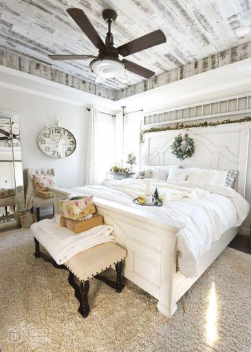 Awesome Christmas Bedroom Design 37
