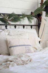 Awesome Christmas Bedroom Design 39
