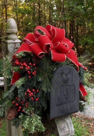 Christmas Mailbox Decorating Ideas