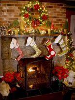 Mantel Christmas Decorating Idea