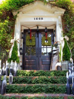 Outdoor Christmas Decorating Ideas Entryway