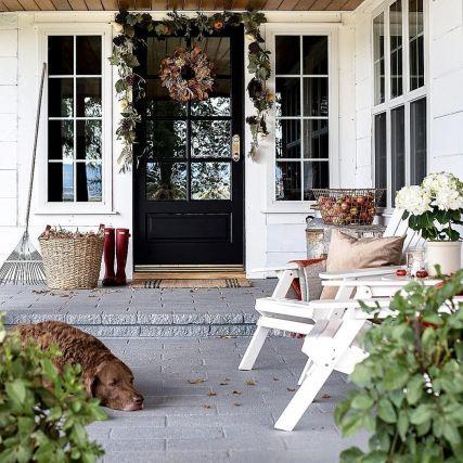 Gorgeous Farmhouse Front Porch Ideas 118