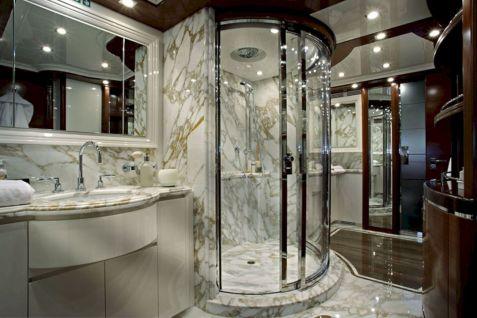 Luxury Master Bathroom Design Idea
