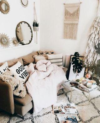 Shabby Chic Apartment Living Room 17