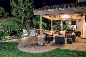 Backyard Living Space Design Ideas 5